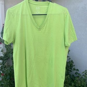 MENS ARMANI EXCHANGE VNECK TSHIRT SIZE SMALL